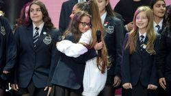 Os 9 momentos que emocionaram pra valer no show de Ariana Grande em