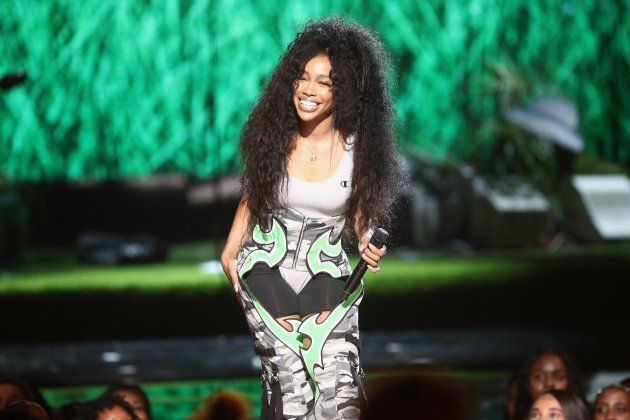 Com disco recém-lançado, cantora SZA se apresentou durante a
