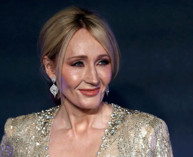 Autora da saga 'Harry Potter' completa 51 anos nesta segunda