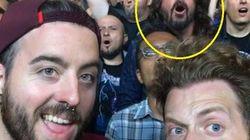 O dia em que Dave Grohl curtiu um show do Metallica no meio da