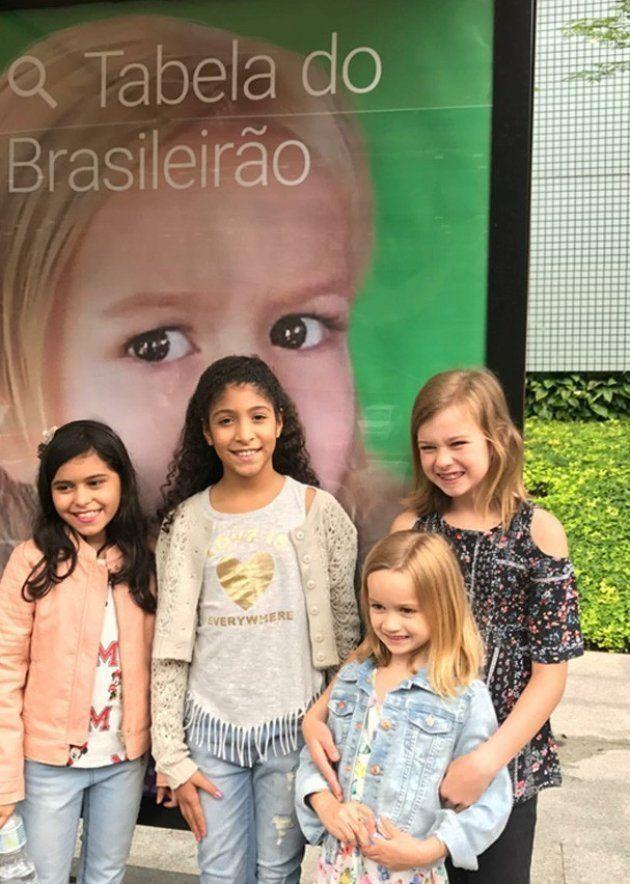 Chloe teve a única recepção possível em nova visita ao Brasil  Uma ... f35f35ffe7
