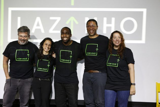 Lázaro Ramos e a equipe de 'Lazinho com