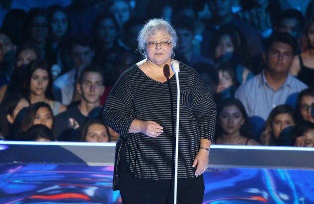 Susan Bro, mãe de Heather Hayer, que morreu em ataque de um simpatizante nazista em