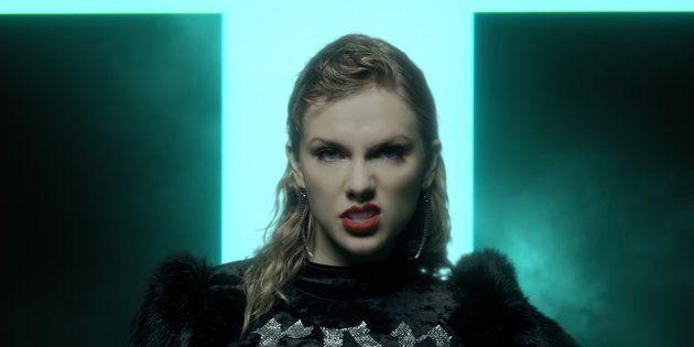 Na sala do trono de Taylor a