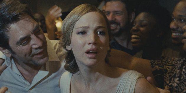 Na história com Javier Bardem (à esq.) e Jennifer Lawrence, todo limite é