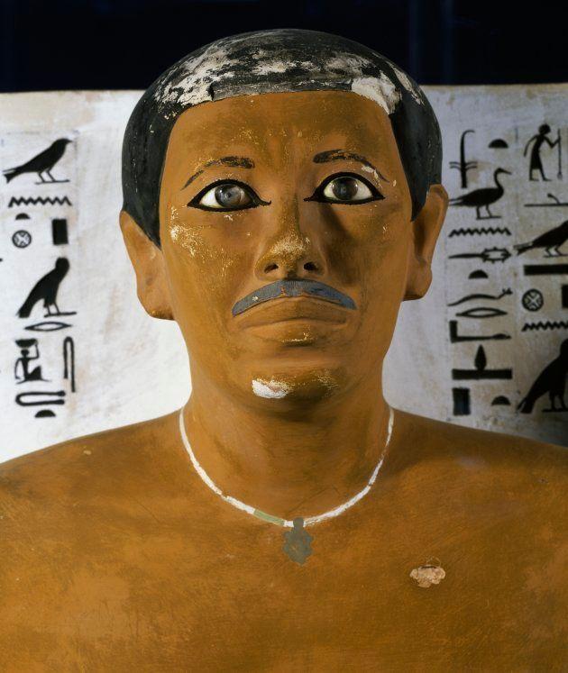 Estátua de Rahotep, funcionário com bigode do reinado de Sneferu - quarta dinastia da civilização