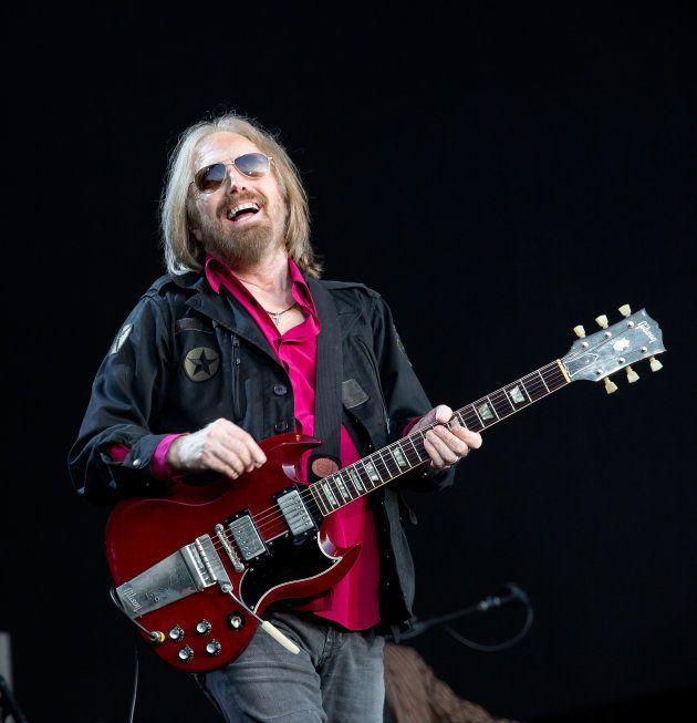 Aos 66 anos, músico teve parada cardíaca e perdeu atividade cerebral nesta segunda (2). Morte foi confirmada...