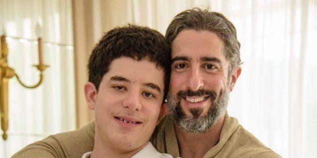 Marcos Mion e o filho Romeo, de 13