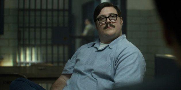 Cameron Britton em cena de 'Mindhunter' como Edmund