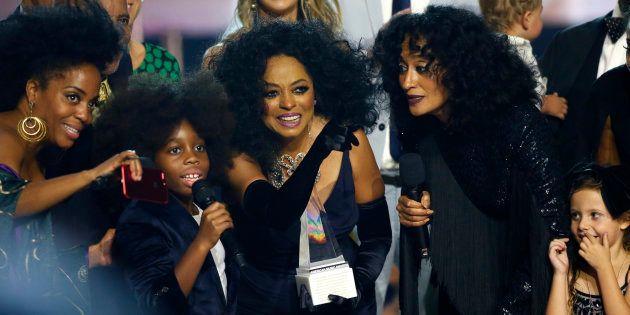 Diva da música americana recebeu o prêmio 'Lifetime Achievement Award' neste domingo