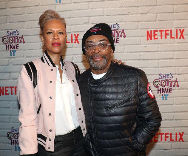 A produtora executiva Tonya Lewis Lee e Spike Lee, na pré-estreia de 'Ela Quer Tudo', em 11 de