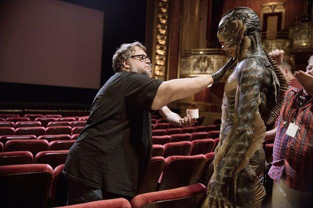 Del Toro no set de 'A Forma da Água': Mão na massa para apresentar o melhor monstro