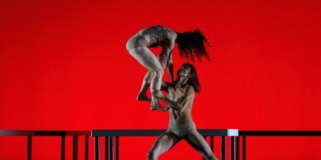 Bailarinos em 'Das Tripas... Coração', de autoria do atual diretor artístico Ismael
