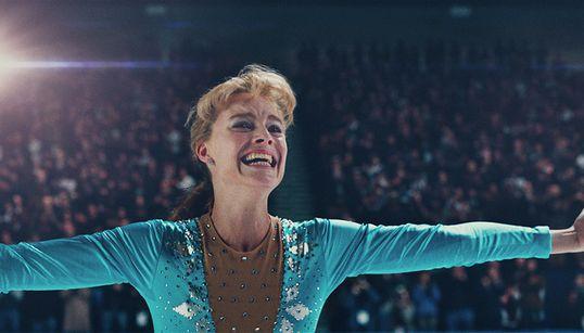 'Eu, Tonya': O que a comédia do Oscar conta (e não conta) sobre a maluca história real por trás