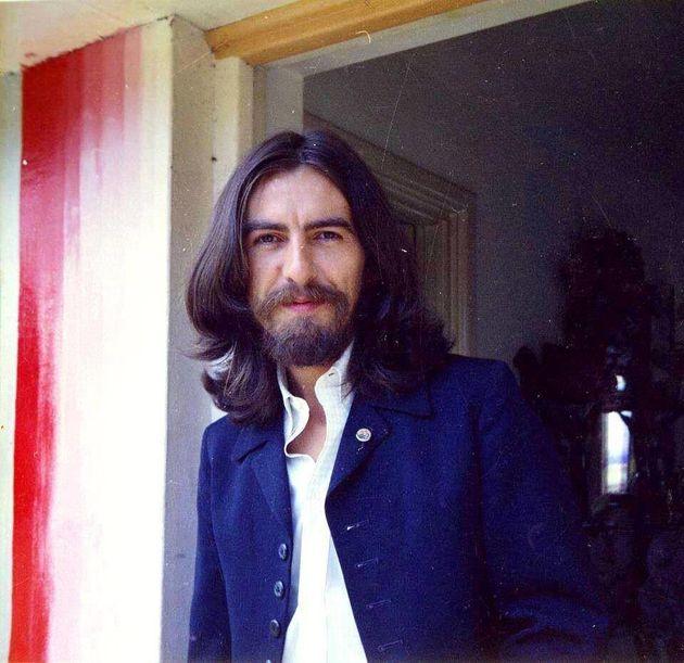 George Harrison em 1969, um ano antes do fim dos