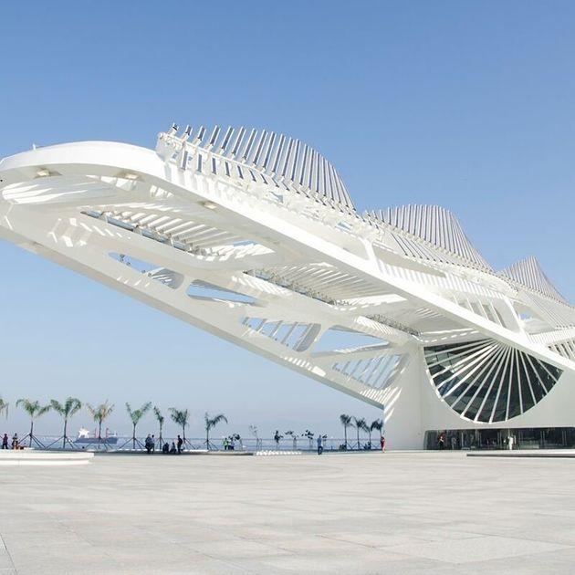 Inaugurado em 2015 ao lado da Praça Mauá, prédio tem assinatura do arquiteto espanhol Santiago