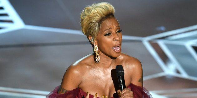 Mary J. Blige se apresenta nos palcos do Oscar