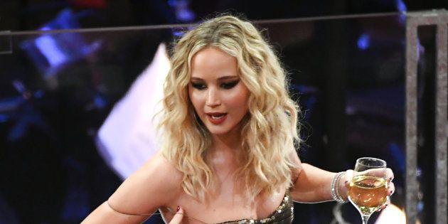 Jennifer Lawrence aproveitou muito a festa da 90ª edição do Oscar de