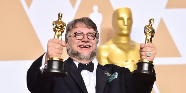 Mexicano Guillermo del Toro vence Oscar de Melhor Direção