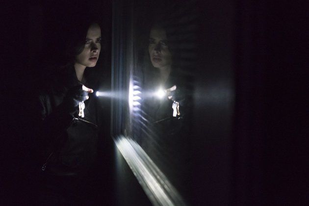 No novo ciclo de episódios, Jessica investiga algo que até então evitava ao máximo: seu próprio