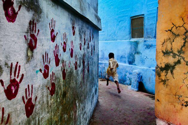 'Menino em Médio Vôo' (Jodhpur, India), de Steve McCurry - (Galeria de