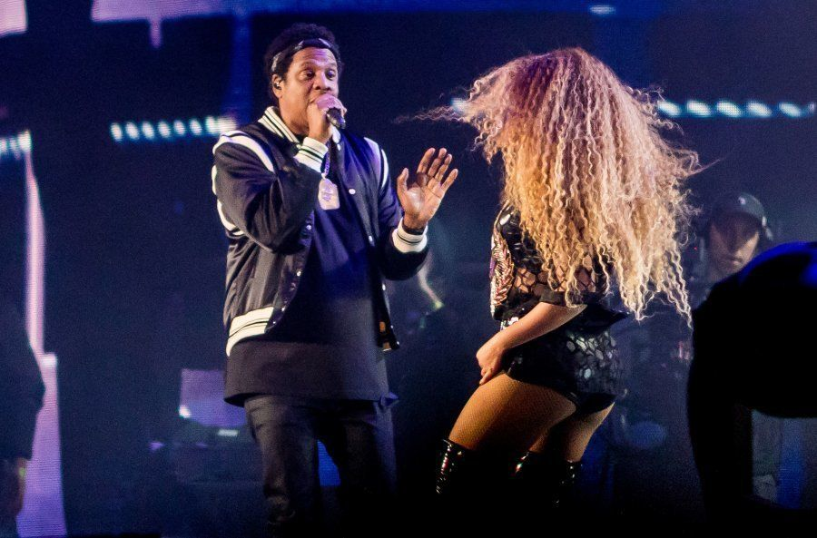 Jay-Z divide o palco com