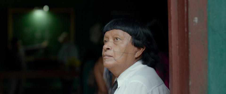 Longa acompanha o dia a dia do ex-pajé Perpera, da tribo dos Paiter