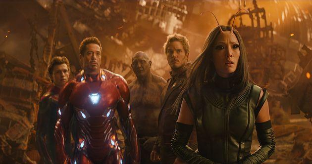 Da esq. para dir.: Homem-Aranha (Tom Holland), Homem de Ferro (Robert Downey Jr.), Drax (Dave Bautista),...