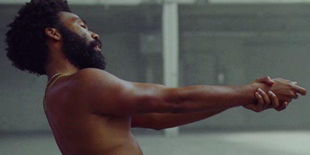 'This is America' é dirigido por Hiro Murai, parceiro de Donald Glover na série 'Atlanta', disponível...