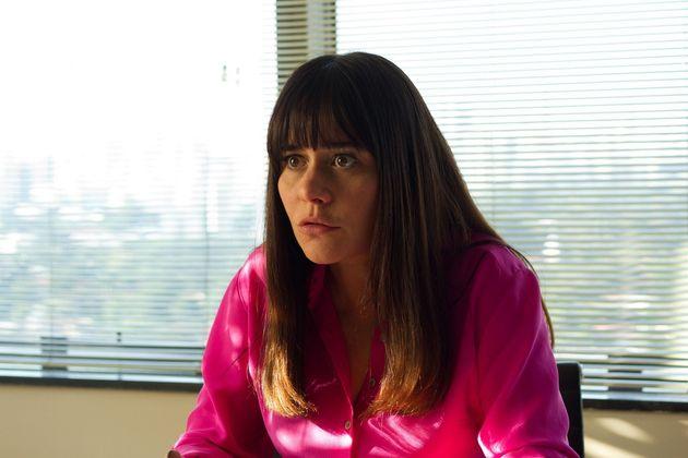 Alessandra Negrini interpreta a advogada Marinati na comédia 'Mulheres