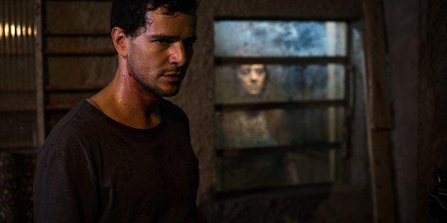 Daniel de Oliveira interpreta um profissional de necrotério com dom paranormal em 'Morto Não