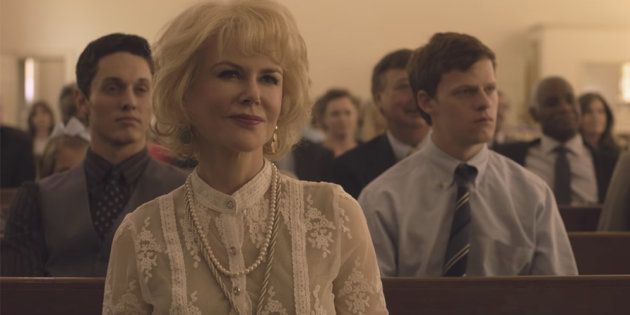 Nicole Kidman interpreta Nancy, mãe religiosa que coloca o filho em uma terapia intensiva que promete