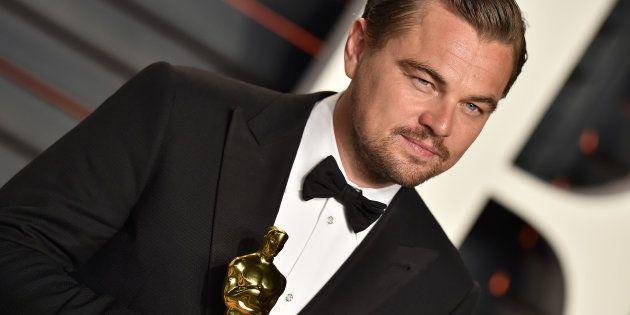 Leonardo DiCaprio e sua comentada estatueta de Melhor Ator pelo papel em 'O Regressso'