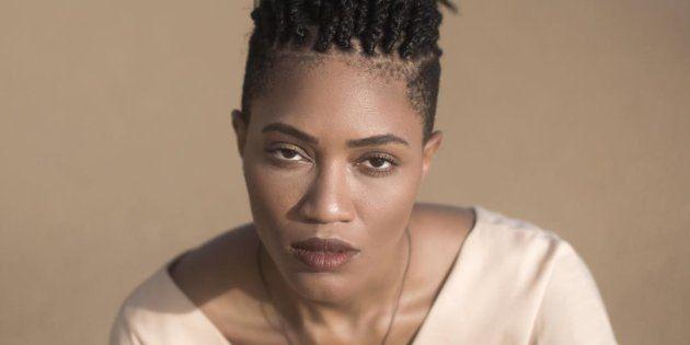 No Coala Festival, cantora apresenta repertório de seu primeiro álbum, 'Um Corpo no