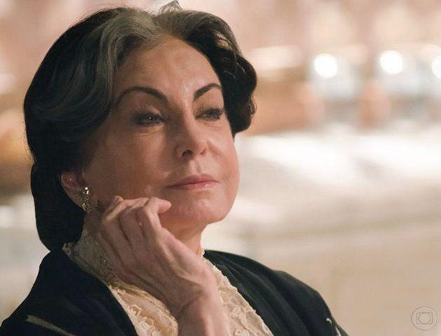 Beatriz Segall em 'Lado a Lado, um de seus papeis mais recentes na televisão, em