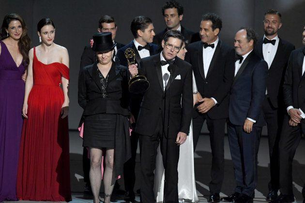 Produtores e elenco de 'The Marvelous Mrs. Maisel', que ganhou 5 troféus no Emmy 2018 - incluindo Melhor...
