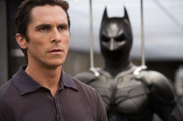 Christian Bale em cena do filme O Cavaleiro das