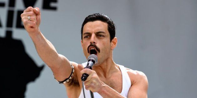 Rami Malek vive o astro Freddie Mercury (1946-1991) em cinebiografia