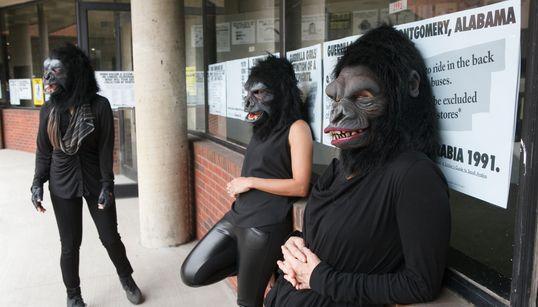 Curadora do 'Guerrilla Girls', em cartaz no Masp: 'A arte nos ensina que não há uma só
