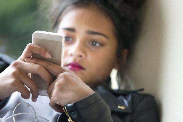 'Assédio leve' é sofrido mais comumente por australianos mais jovens; 67% deles denunciam insultos e