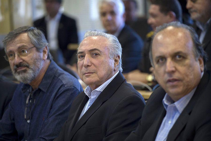 Ministro da Justiça, Torquato Jardim, presidente Michel Temer e governador do Rio de Janeiro, Luiz Fernando...