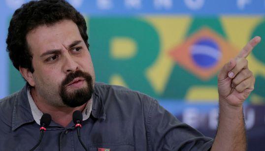 Boulos: 'Bolsonaro surfa no caldo da insatisfação política e vende um peixe