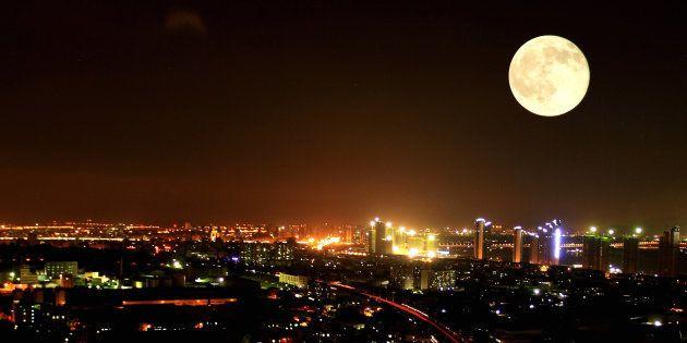 Lua chegará a aproximadamente 357 mil quilômetros da