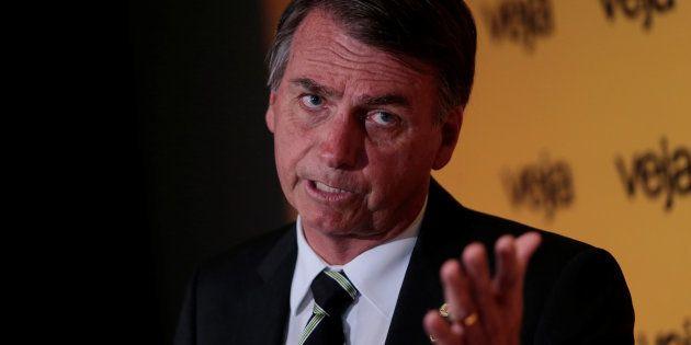 Deputado federal Jair Bolsonaro (PSC-RJ) se consolida em segundo lugar na disputa eleitoral, afirma