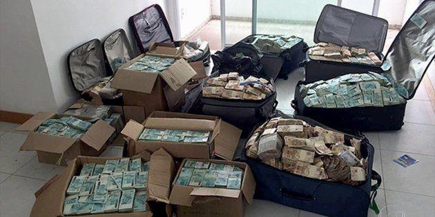 Malas de dinheiro apreendidas pela Polícia Federal em