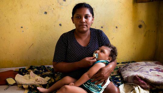 Negras, pobres e sem estudo: O dia a dia das mães que lutam com as consequências do