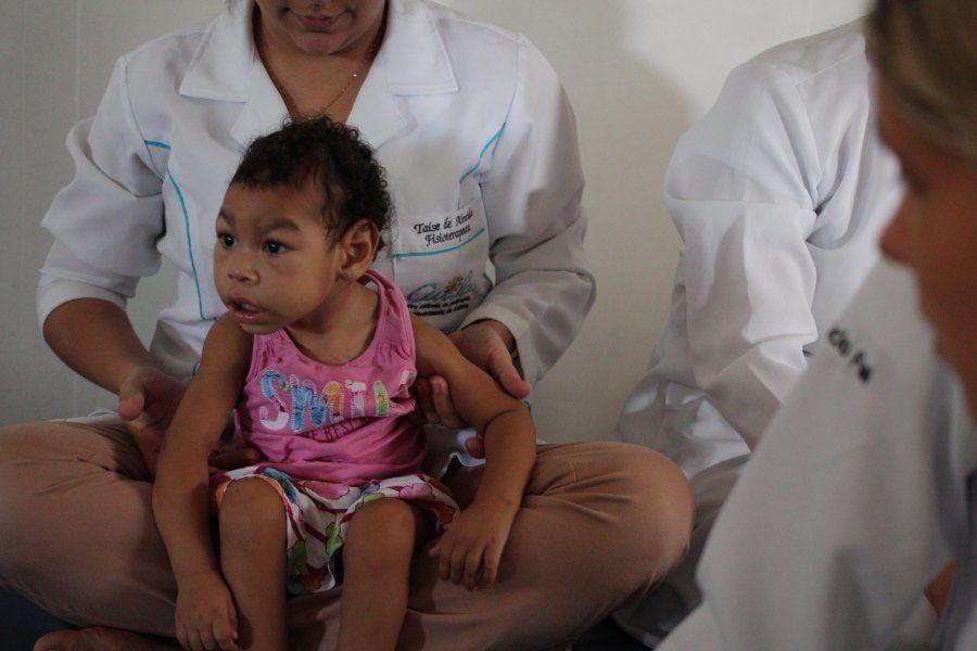 Na Pestalozzi de Maceió, cada criança com zika tem um plano que é revisado a partir dos avanços no