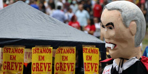 Protesto em Fortaleza contra as reformas do governo de Michel