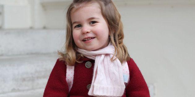 O primeiro dia de aula da Princesa Charlotte.