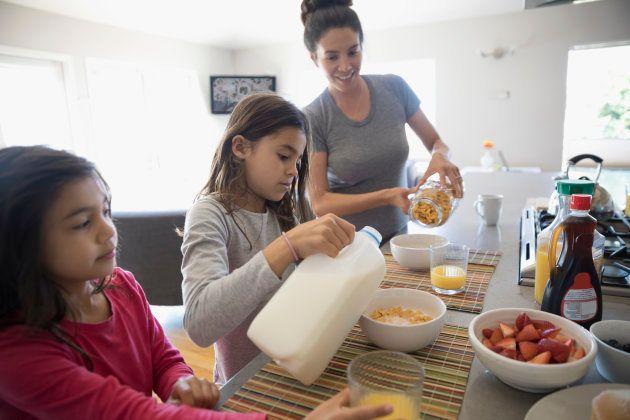 Alimentar-se bem é fundamental para um dia mais produtivo.